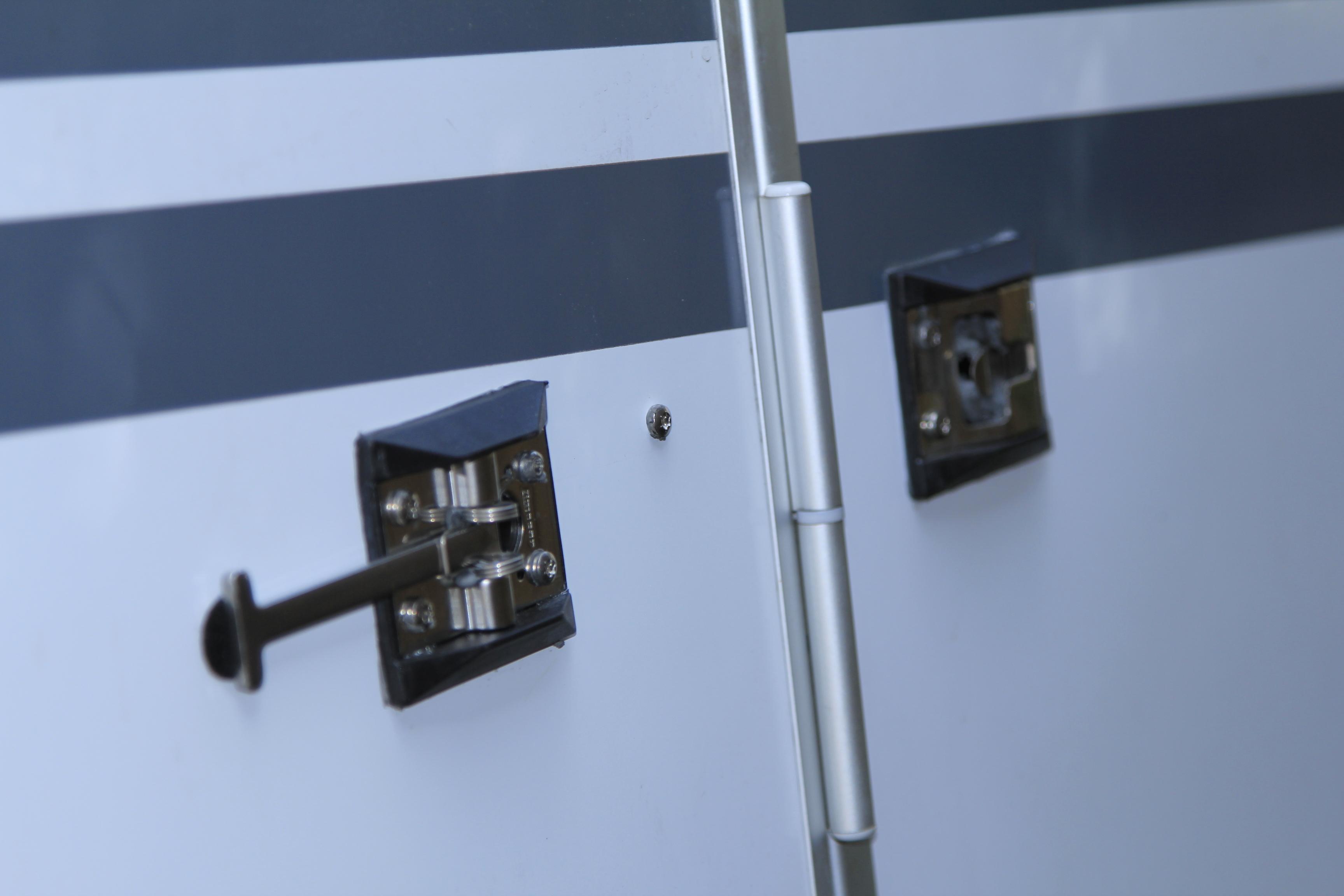 t rfeststeller wohnmobil weinsberg tg 700 lucian 39 s flieger und hobby seite. Black Bedroom Furniture Sets. Home Design Ideas
