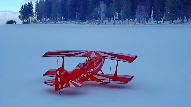 Pitts mit Ski